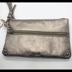 Sak wristlet with cellphone charger